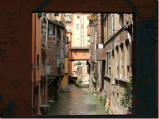 Os canais de Bolonha, Itália