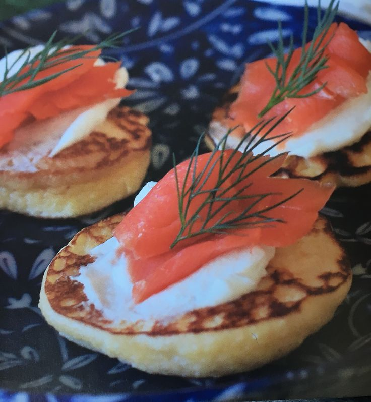 Smoked salmon blini #glutenfree #eathappy