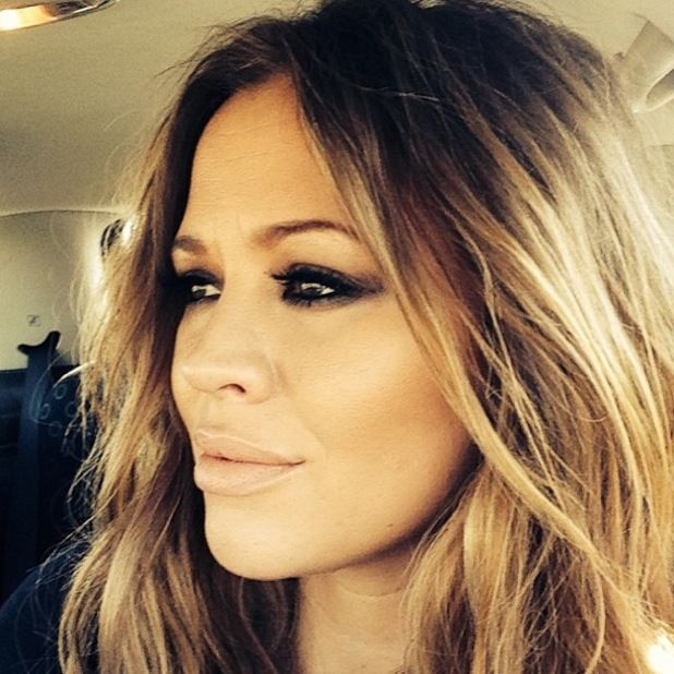 Kimberley Walsh flaunts effortless waves and smokey eyes- get the look!  http://www.reveal.co.uk/beauty/news/a565073/pregnant-kimberley-walsh-flaunts-smoky-eyes-and-effortless-beachy-waves.html