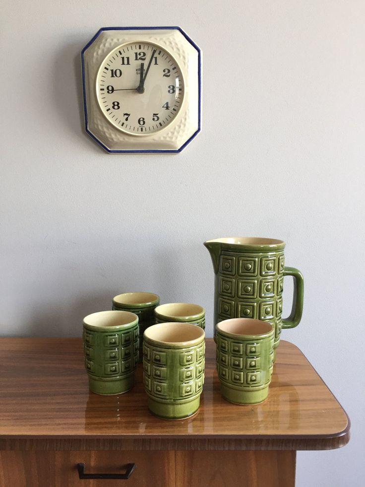 Vintage Karaffe mit fünf Bechern , Keramik Reliefmuster, Mid Century Keramik, 50er Jahre, Saftkrug, deutsche Keramik von moovi auf Etsy