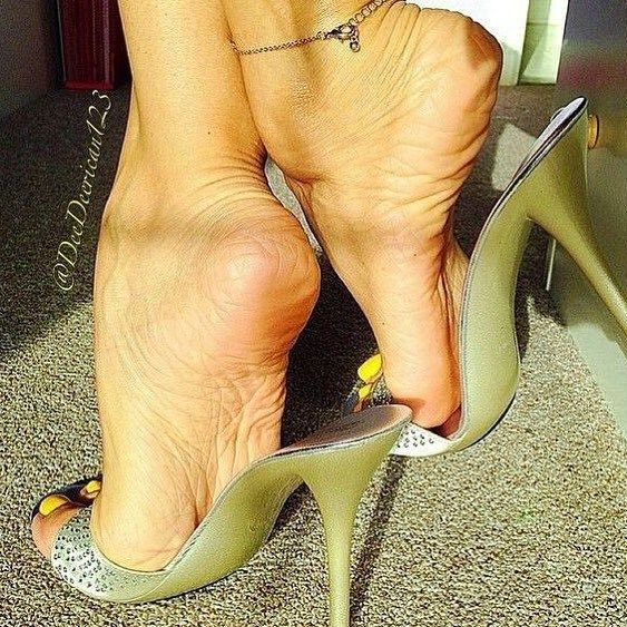 Relax with shoe dangle after work 4