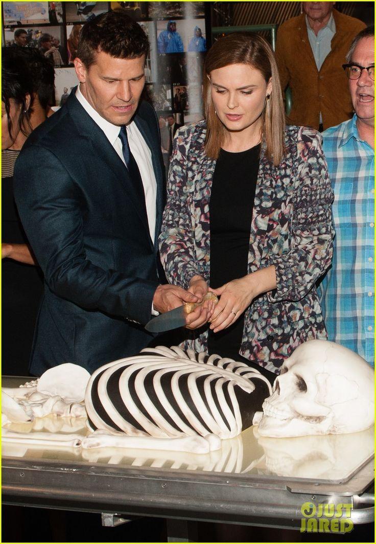 Emily Deschanel & David Boreanaz Celebrate Bones' 200th Episode!