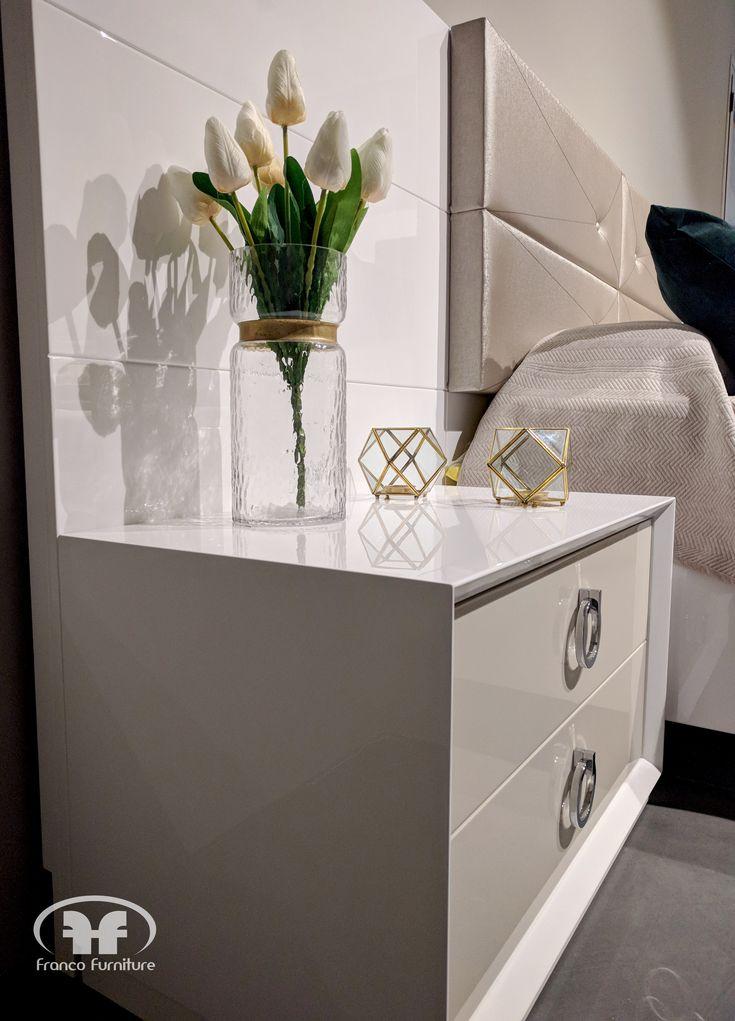 Dormitorios de diseño con lineas muy cuidadas y tapizados increibles. Este pertenece a la colección Klassic II.