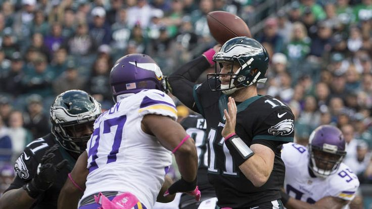 Beau Allen #94, Bryan Braman #56 and the rest of the Philadelphia Eagles react after a fumble recovery in the fourth quarter against the Minnesota Vikings at Lincoln Financial Field on October 23, 2016 in Philadelphia, Pennsylvania. The Eagles defeated the Vikings 21-10. (Photo by Mitchell Leff/Getty Images)