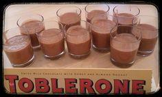 Mousse de toblerone      environ 400 g de chocolat TOBLERONE classique     6 œufs     quelques grammes de beurre (pour faire fondre le chocolat)