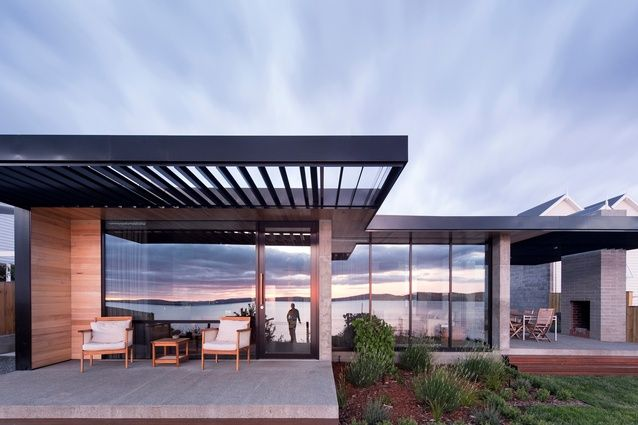 Rivers Edge House by Stuart Tanner Architects.