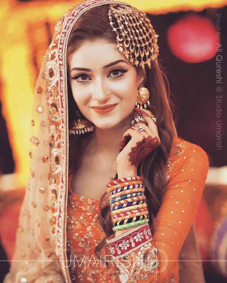 Gorgeous Ramsha on her mehndi.... #signature #umairishtiaq #shoot #bridalshoot #umairish #studioumairish #weddings #instaphoto #instagram  ##outdoorshoots #pakistaniweddings # #outdoorshoot #bridaldresses #Lahore #Islamabad