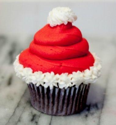 Santa hat cupcake with homemade icing // Mikulás sapkás muffinok - Télapó sütemény házilag // Mindy - craft tutorial collection