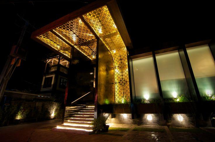 http://merahputihbali.com/restaurant.html