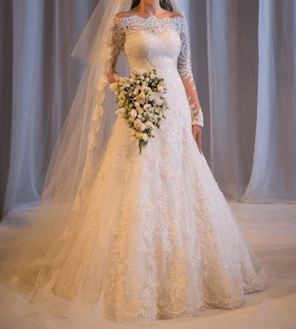 VN362 – Vestido de Noiva Princesa em Renda Ombro à Mostra e Manga 3/4 – Famoso na Internet | Noiva Importada
