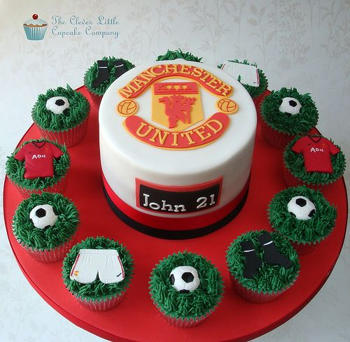 Manchester United Cake | Chocolate cake with hand cut Man Ut… | Flickr