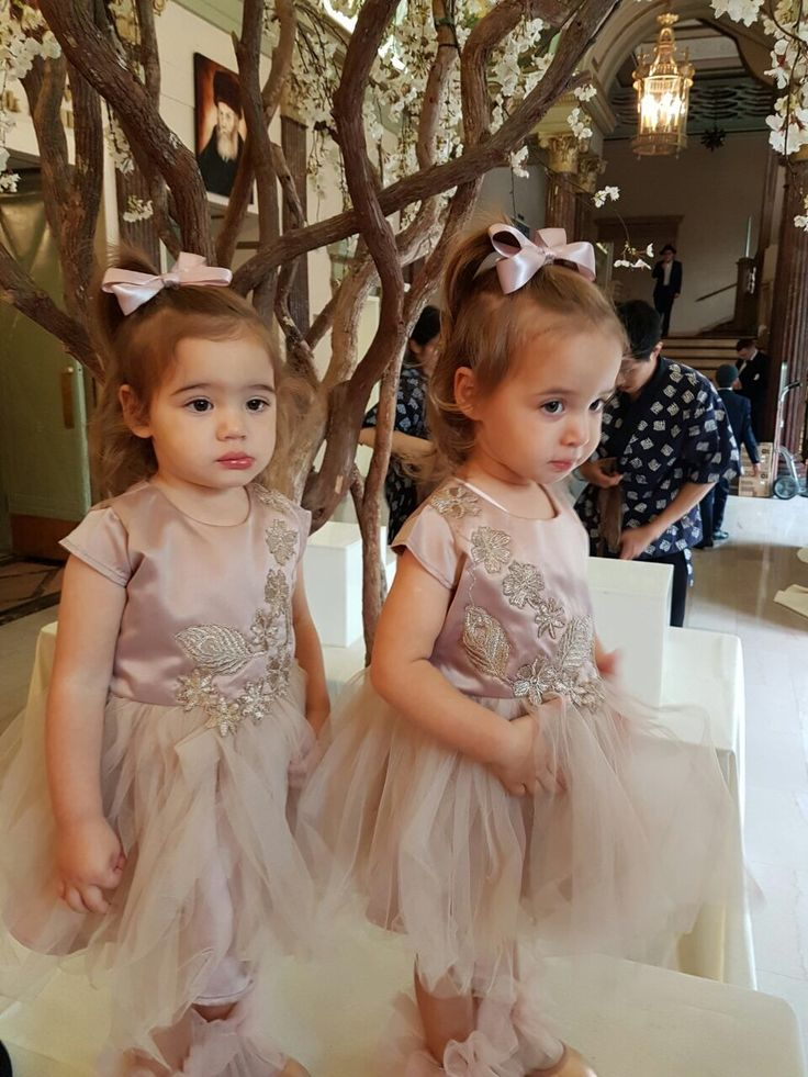 Adorable twins tulle dresses with handsewn flowers