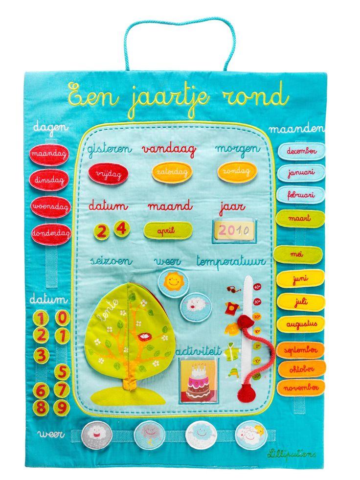 Stoffen kalender om kinderen op een speelse manier te laten kennismaken met tijd en begrippen als maand en seizoenen.