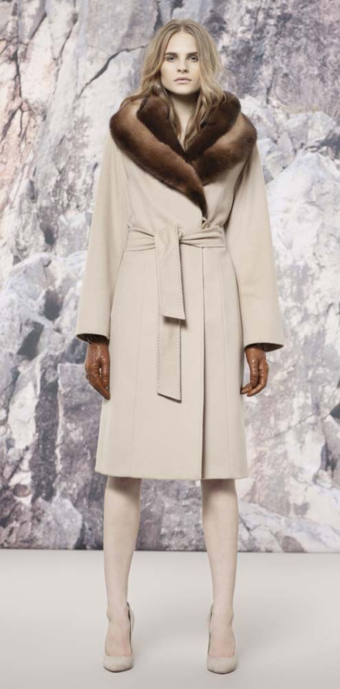 Cinzia Rocca off white coat and fur collar. www.misskrizia.com