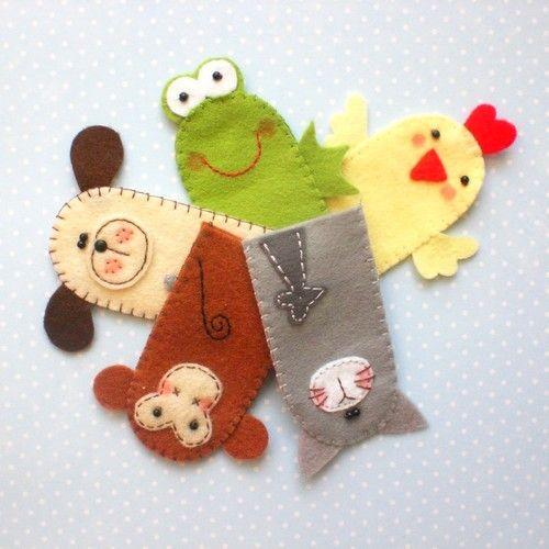 Czyli sympatyczne stadko pięciu filcowych pacynek :)     Kotek,piesek,małpka,żabka i kurka-wedle życzenia zamawiającej :)         mój fawor...