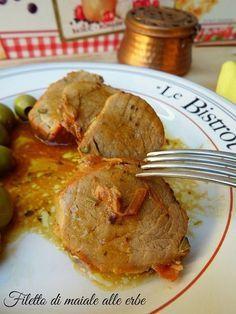 Il filetto di maiale alle erbe è un secondo piatto facilissimo da preparare con il quale farai un'ottima figura, perchè no, durante il pranzo domenicale ;)