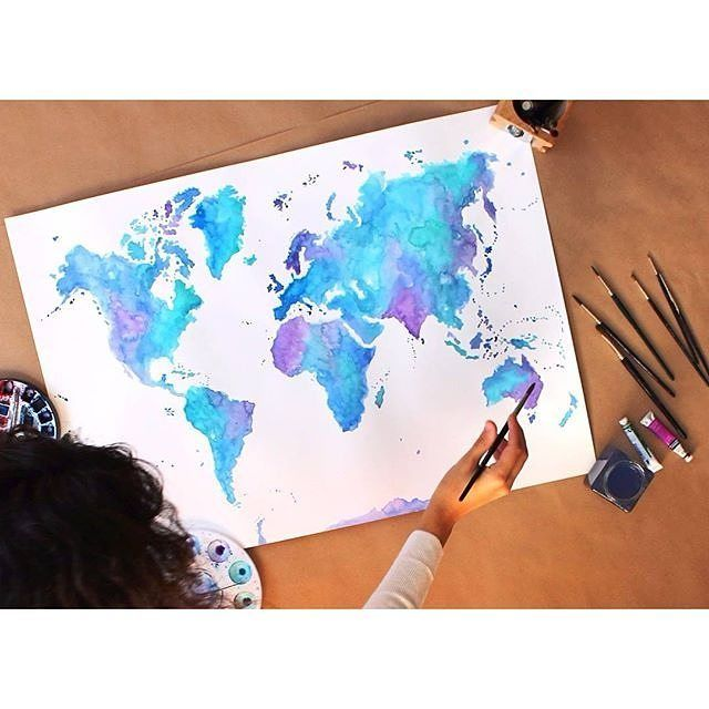 Travel Tip #27 Are you a folder or a roller? Which technique do you think is best for packing and keeping your clothes crease free? #travelintoliving Map @maraquela_watercolor ✈️