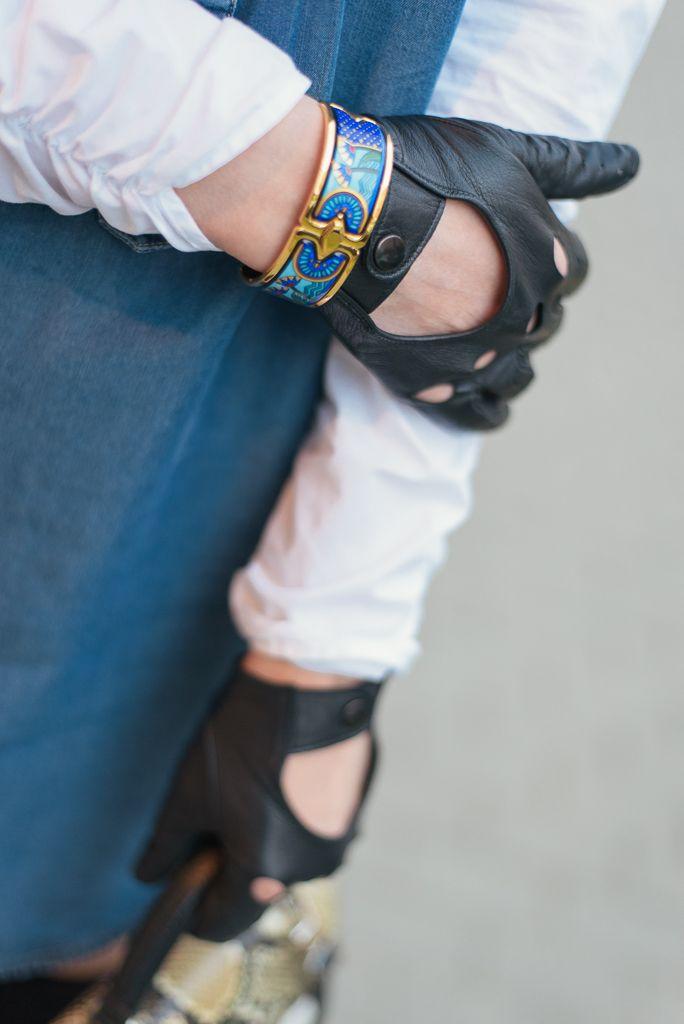 #jewelry #gloves #bracelet #freywille