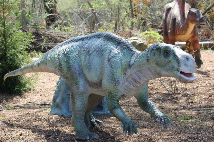 "<a href=""http://www.onlyinyourstate.com/pennsylvania/unique-park-pa/"" target=""_blank""> 5. Dinosaurs Alive at Dorney Park – 3830 Dorney Park Road, Allentown, PA 18104</a>"