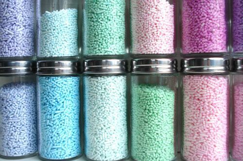 Custom Colored Sprinkles~T~ Make your own colored sprinkles using white sprinkles and powdered food coloring or petal dust. Love her ideas.