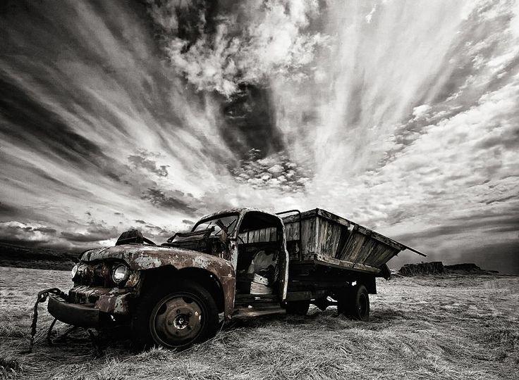Rusty Truck (mono)