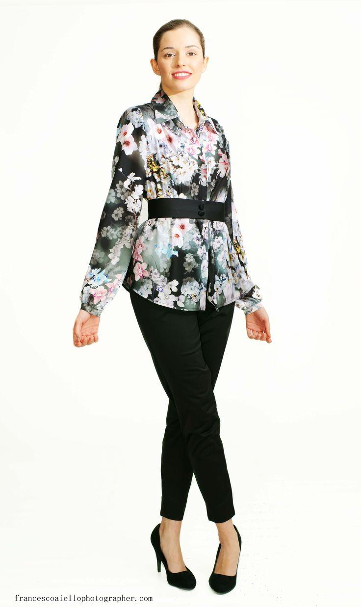 Para combinar con cualquiera de las camisas de la colección Primavera-Verano. El ajuste perfecto de estos pantalones pitillo negros está garantizado. 110€