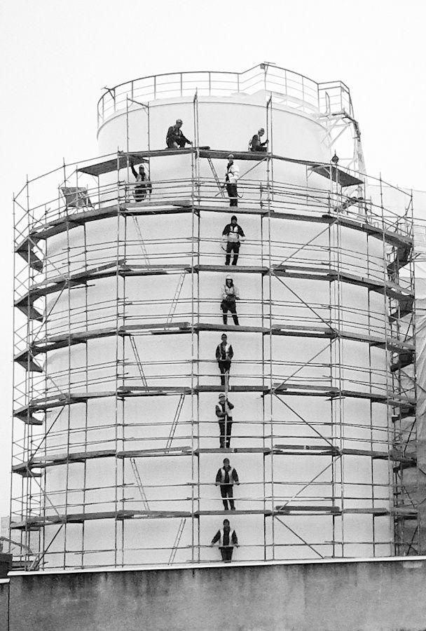 #Poznań #Poznan  #photography  #BW #blackandwhite #bnw #monochrome #instablackandwhite #monoart #insta_bw #bnw_society #bw_lover #street #streetphotography #budowa #praca #work #fotograf