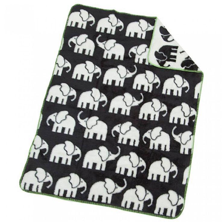 Jag delar Filt Elefant Svart/Vit med Pinterest från Babyshop! (produktsida)