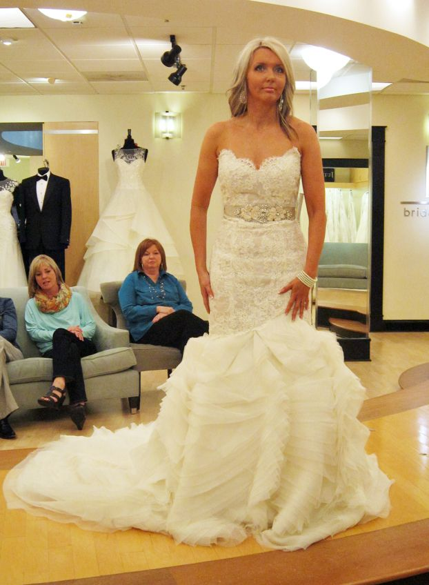 Season 7 featured dresses part 7 amy dress info lazaro for Wedding dress in atlanta