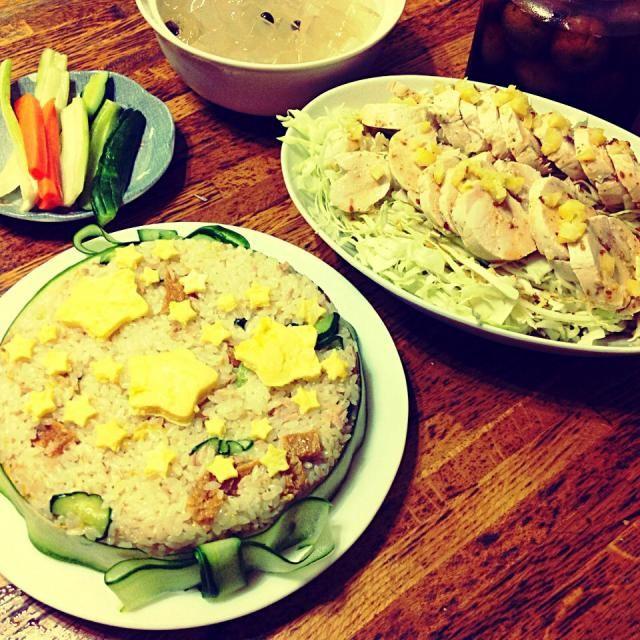 ちょっと夕寝するつもりが爆睡 買い物に行く時間もなく、ある物で何とか作った夕食。星型☆で七夕らしくしてみたけど…(/ _ ; )  ☆まぜ寿司(リンゴ酢で作っておいた梅シロップ・ツナ・胡瓜・油揚げ煮・菊の花びら) ☆鶏ハムのサラダ ☆果物なしの寒天とナタデココのサイダーポンチ - 45件のもぐもぐ - 残念な七夕夕飯 by rapin1216