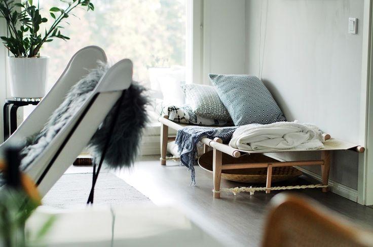Olohuoneen daybed   löhöilylle oma tila