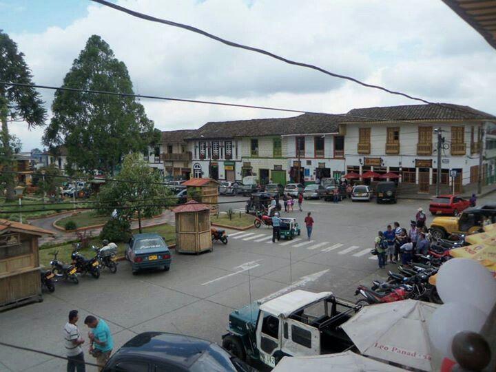 Filandia. Municipio colombiano perteneciente al Departamento del Quindío, Colombia. El territorio que hoy constituye Filandia estuvo habitado antes de su fundación por una parte de la tribu indígena de los Quimbayas. Las tierras de Filandia pertenecieron a lo que los conquistadores españoles llamaron inicialmente, en 1540 Provincia Quimbaya.