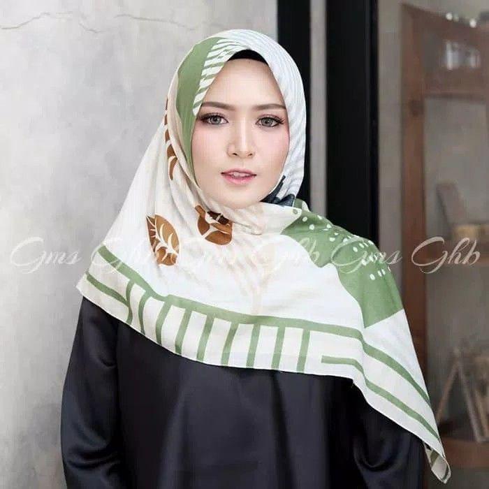 Segiempat Voal Bougenville Hijab Segiempat Bahan Katun Voal Premium Bahan Lebih Tebal Dengan Motif Bunga Kertas Bougenv Hijab Fashion Fashion Beautiful Hijab