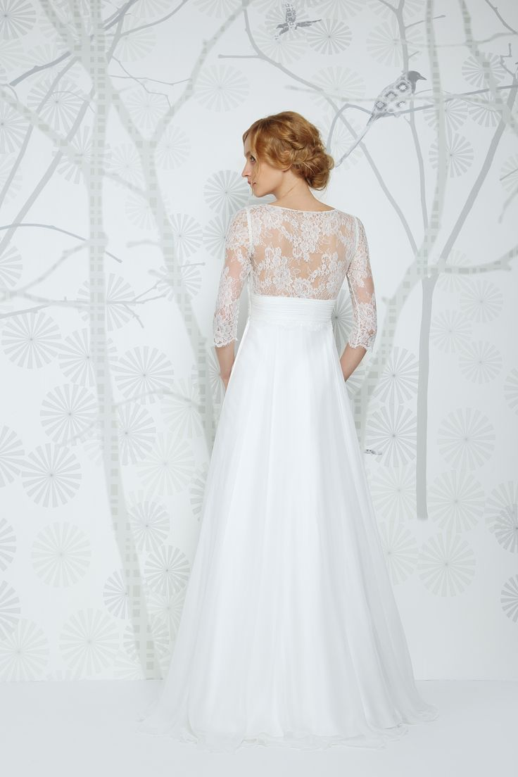 SADONI wedding dress ETOILE with lace details and beautiful, flowy chiffon skirt