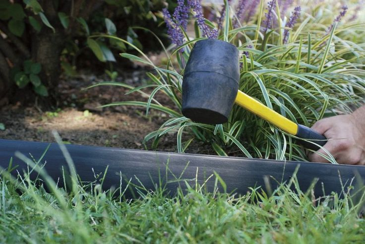 LandShark™ Pound In Edging, 20' - Plastic Landscape Edging