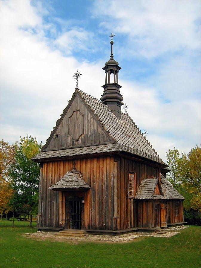 Tokarnia Skansen - Kościół z Rogowa - Góry Świętokrzyskie - Poland
