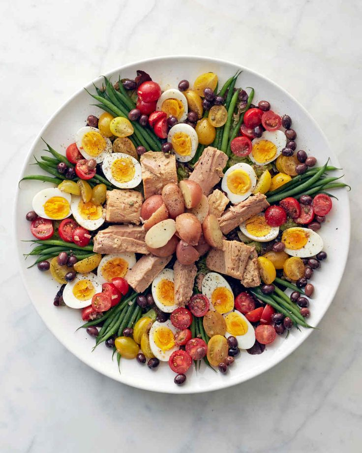 Martha Stewart Nicoise Salad With Tuna Eggs Haricots Verts Potatoes Tomatoes With A Lemon Dijon Mustard Dressing Salade Nicoise