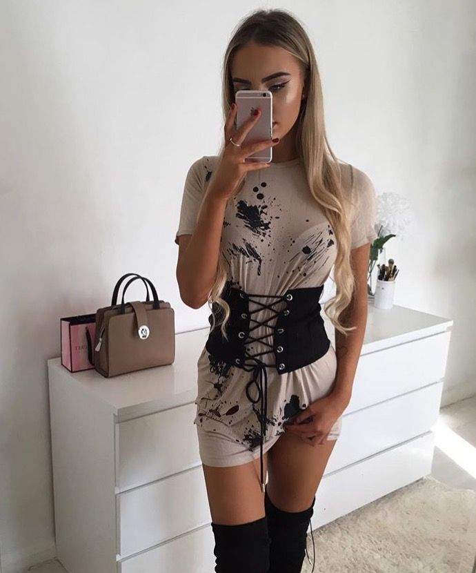 Best 25+ Badass outfit ideas on Pinterest | How to wear stockings Fishnet top and All black ...