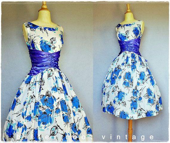 50s party dress / 1950s floral dress / full skirt bustle dress