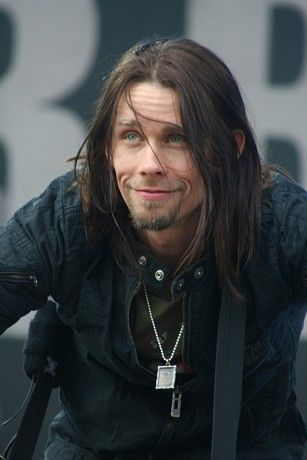 Lovin Myles Kennedy these days.
