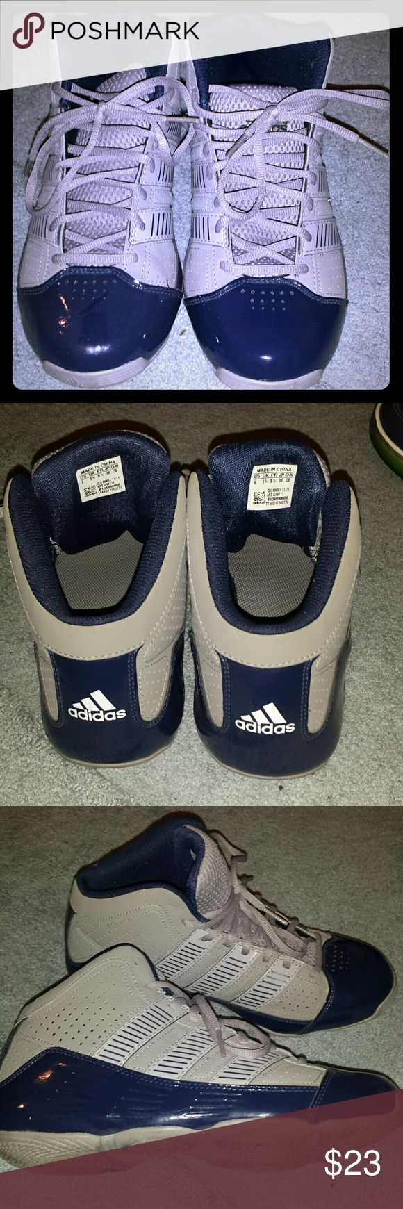 ADIDAS MID TOP SNEAKERS BIG BOYS SIZE 6M ONLY WORN ONCE, TOO SMALL, EXCELLENT CONDITION, NO SCUFFS OR SCRATCHES Adidas Shoes Sneakers