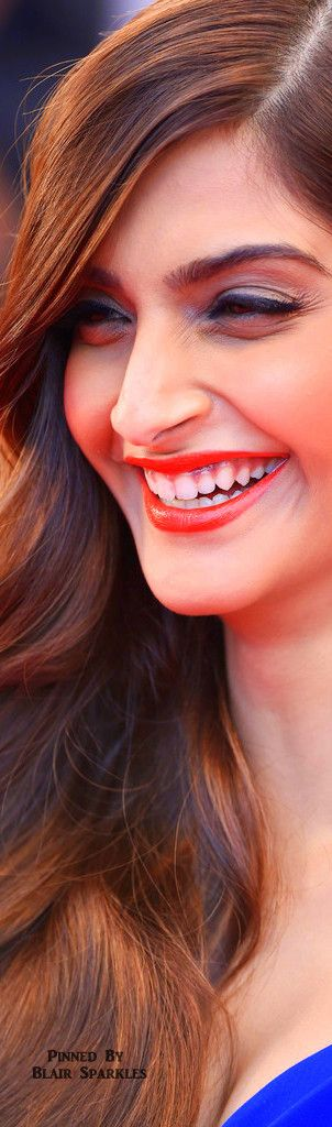 CANNES 2015 Day 4 Red Carpet Sonam Kapoor |  ♕♚εїз BLAIR SPARKLES
