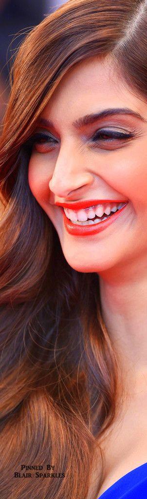 CANNES 2015 Day 4 Red Carpet Sonam Kapoor | ♕♚εїз BLAIR SPARKLES