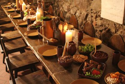 Medieval Feast Hall Table Presentation Idea: I should do the table like this when we arrive!