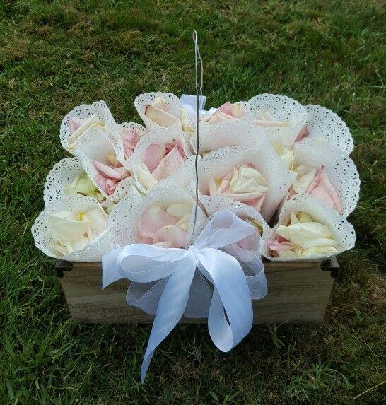 Cassettina legno coni di petali