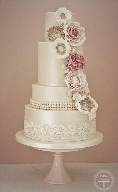 Cameo corsage wedding cake | Flickr - Photo Sharing!