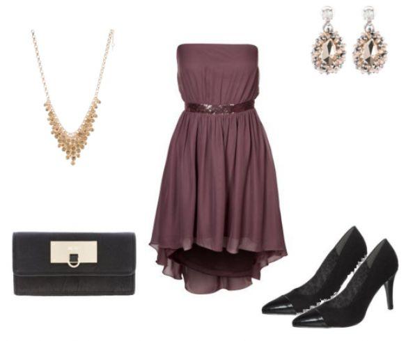 #Lilla #kjole, #sorte #hæle og #guld #smykker