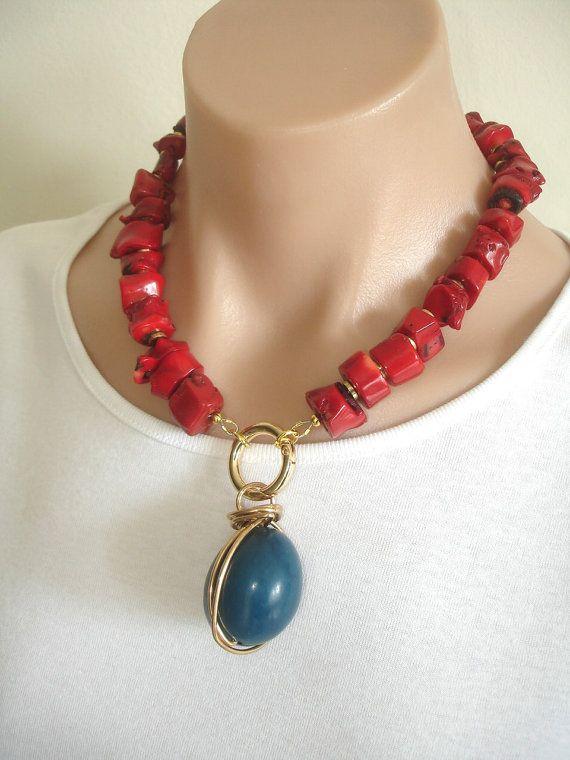 Collar de coral rojo Ashira natural con turquesa azul Tagua Marfil Tuerca colgante alambre envuelto en latón