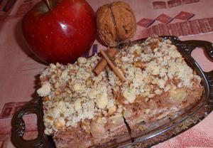Americký jablečný koláč s ořechovou drobenkou
