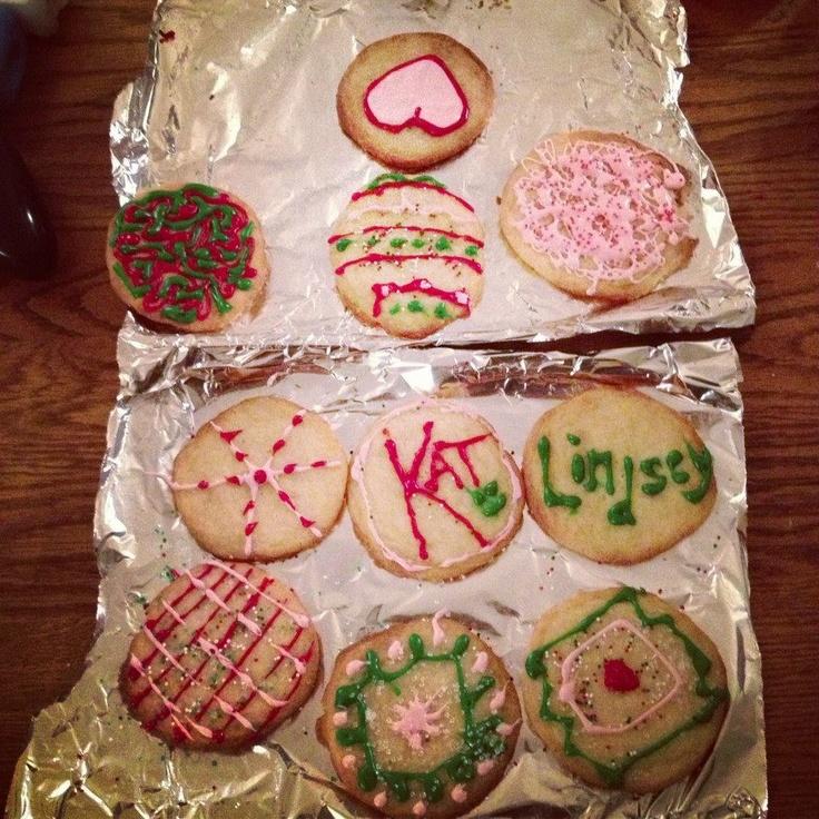 We made Christmas Cookies! (Lindsey's on top, mine on bottom) Dec 2012  #LindseyStirling
